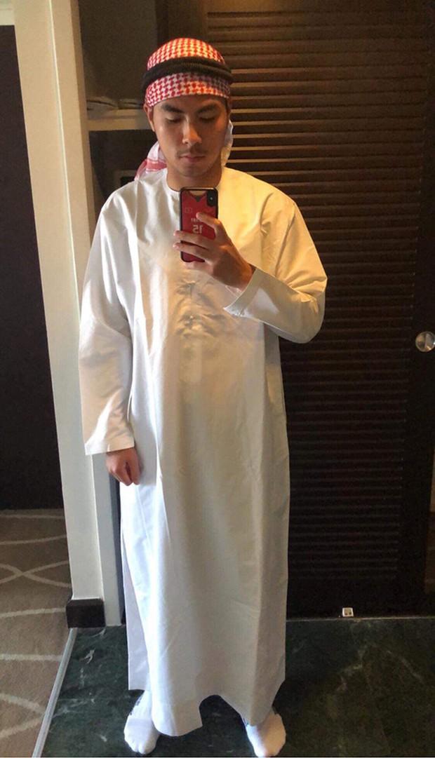 Đức Huy hóa trang thành Hoàng tử Ả-rập dọn phòng cho Xuân Trường - Ảnh 2.