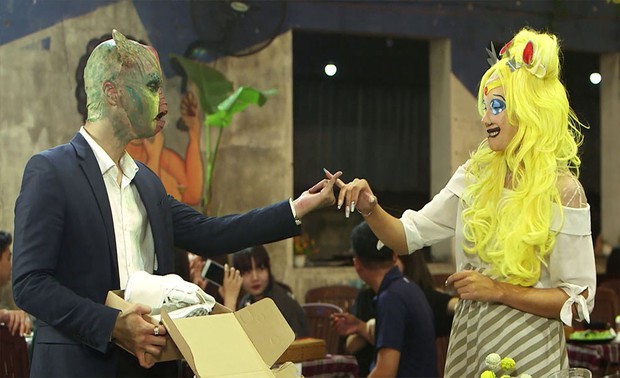 Á hậu Việt Nam toàn cầu bật khóc khi chọn phải chàng trai đa tình trong gameshow hẹn hò - Ảnh 7.