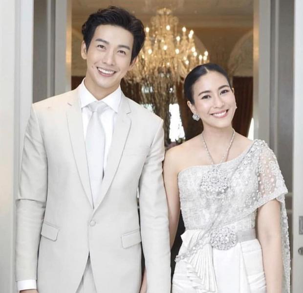 Muôn kiểu cặp đôi màn ảnh Thái Lan: Người về chung một nhà, kẻ chìm thuyền đôi ngả - Ảnh 11.