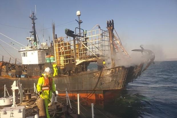 Cháy tàu cá ngoài khơi Hàn Quốc, 1 thuyền viên người Việt mất tích - Ảnh 1.