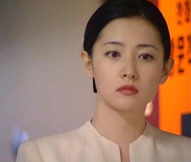Chơi hộ thử thách 20 năm cho Nàng Dae Jang Geum Lee Young Ae, netizen tròn mắt vì nhan sắc huyền thoại của cô - Ảnh 2.