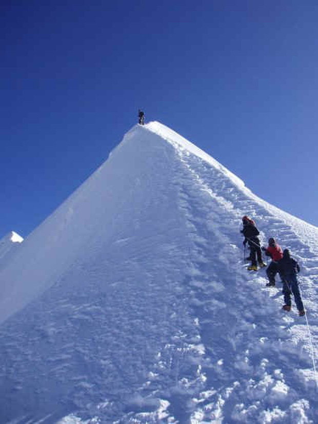 Ngô Thanh Vân sẽ trình làng lá bài mới trong Hai Phượng: Kẻ chinh phục đỉnh Everest - Ảnh 2.