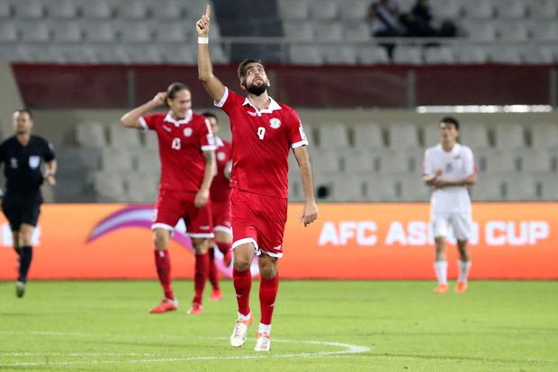Giữa UAE hoa lệ, phóng viên Việt Nam nín thở trước khi vỡ òa sung sướng vì Việt Nam giành vé vào vòng 1/8 Asian Cup 2019 - Ảnh 3.