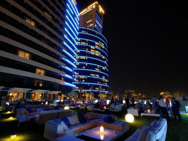 Tuyển Việt Nam đóng quân tại khách sạn 5 sao nằm ở trung tâm thành phố Dubai giàu có bậc nhất thế giới - Ảnh 12.