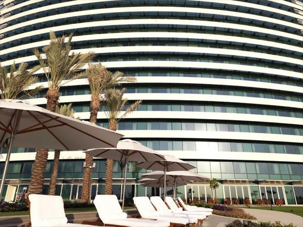 Tuyển Việt Nam đóng quân tại khách sạn 5 sao nằm ở trung tâm thành phố Dubai giàu có bậc nhất thế giới - Ảnh 10.