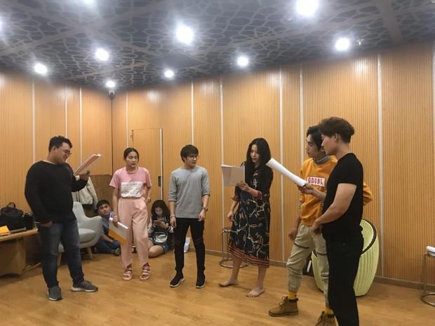 Hậu trường Táo Xuân Kỷ Hợi 2019 của Đàm Vĩnh Hưng, Cẩm Ly, Nam Em, Tiểu Vy... - Ảnh 4.