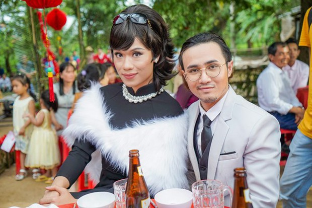 Đầu tư 101 bộ đồ để đi... phá đám cưới thiên hạ, không ai lố bằng Huỳnh Lập - Quang Trung trong Vu Quy Đại Náo - Ảnh 4.