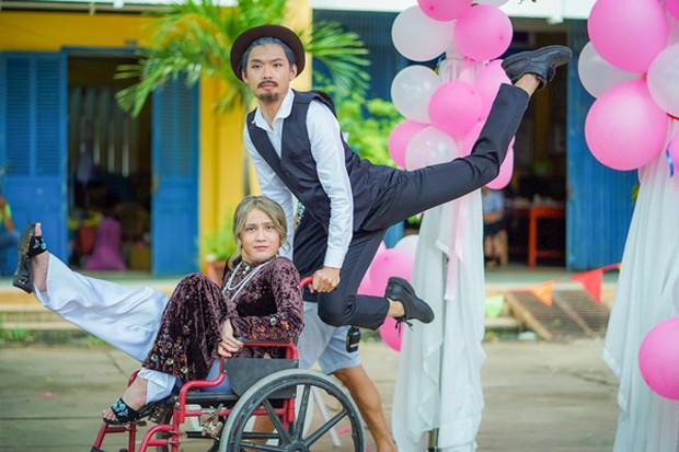Đầu tư 101 bộ đồ để đi... phá đám cưới thiên hạ, không ai lố bằng Huỳnh Lập - Quang Trung trong Vu Quy Đại Náo - Ảnh 5.