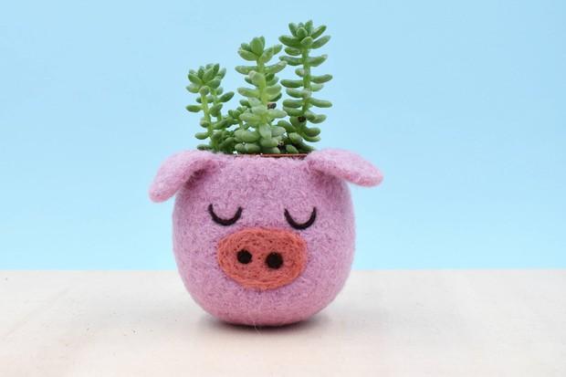 Những món đồ trang trí hình chú lợn xinh xắn đốn tim bất kỳ ai nhìn thấy - Ảnh 2.
