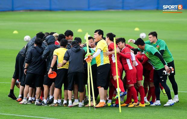 Người hâm mộ khỏi lo nắng mưa khi ngồi xem Việt Nam quyết đấu Jordan trên SVĐ hiện đại - Ảnh 2.