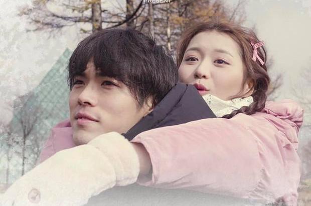 Cảm nắng chàng trai Nhật Bản trên xe bus, Han Sara đốn tim fan nhờ chuyện tình tưởng tượng cực đáng yêu - Ảnh 2.
