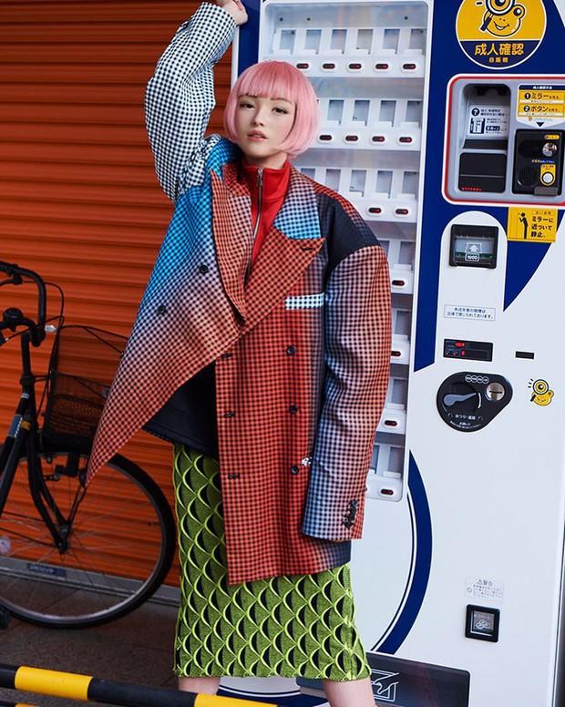 Xinh đẹp và quyến rũ, cô gái tóc hồng mới nổi trên Instagram Nhật hóa ra là người mẫu ảo! - Ảnh 10.