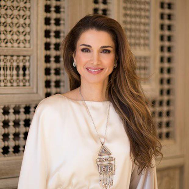 Hoàng hậu xứ Jordan - đối thủ sắp tới của tuyển Việt Nam: Thích chơi Youtube, yêu bóng đá - Ảnh 1.