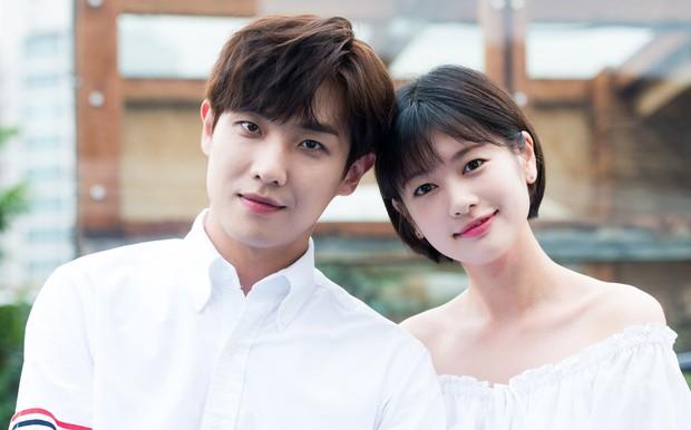 Muôn kiểu phim giả tình thật màn ảnh Hàn: Kẻ mặt dày cầm cưa, người tranh thủ cưới gấp - Ảnh 2.