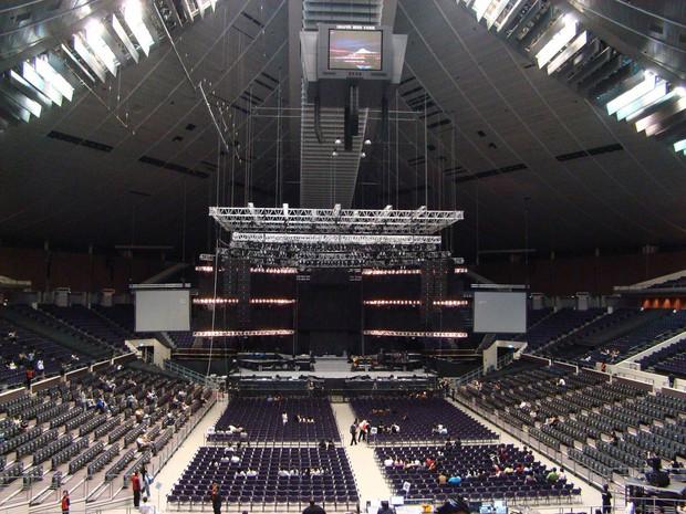 """Đại gia như Big Hit: thuê thêm hẳn một sân vận động riêng có mái vòm cho fan BTS làm """"phòng chờ"""" - Ảnh 2."""