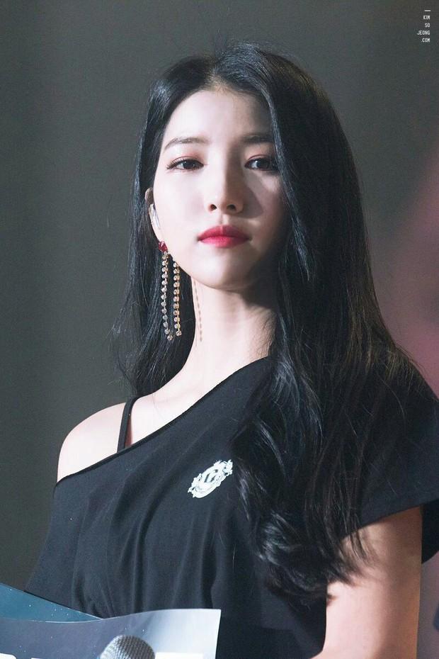 Top nữ idol Kpop hot nhất: Jennie lấy lại ngôi vương sau loạt phốt, nhưng 2 idol này mới gây sốt vì thứ hạng cao - Ảnh 2.