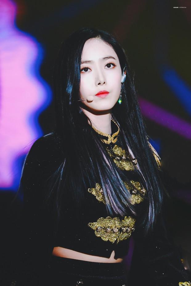 Top nữ idol Kpop hot nhất: Jennie lấy lại ngôi vương sau loạt phốt, nhưng 2 idol này mới gây sốt vì thứ hạng cao - Ảnh 3.