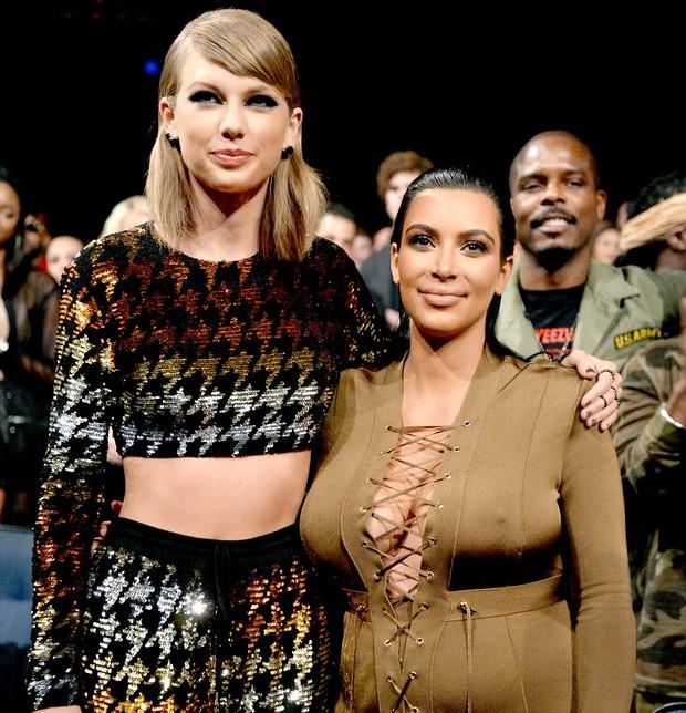 Nhà Kim - Kanye đang nỗ lực hóa thù thành bạn khi liên tiếp lấy lòng Taylor Swift như thế này - Ảnh 3.