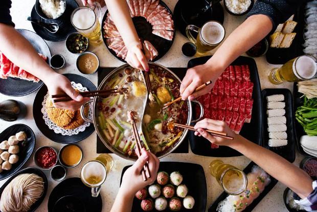 Cô gái người Đài Loan bị ngứa đến chảy cả máu chỉ vì món ăn nóng hổi được nhiều người yêu thích trong mùa đông - Ảnh 2.