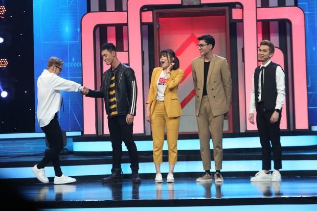 Cao Thái Hà bị nhan sắc của Song Luân và Quang Đại làm lu mờ tại gameshow - Ảnh 2.