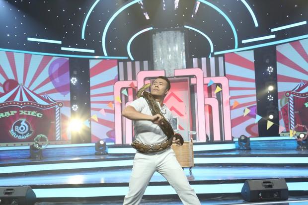 Cao Thái Hà bị nhan sắc của Song Luân và Quang Đại làm lu mờ tại gameshow - Ảnh 6.