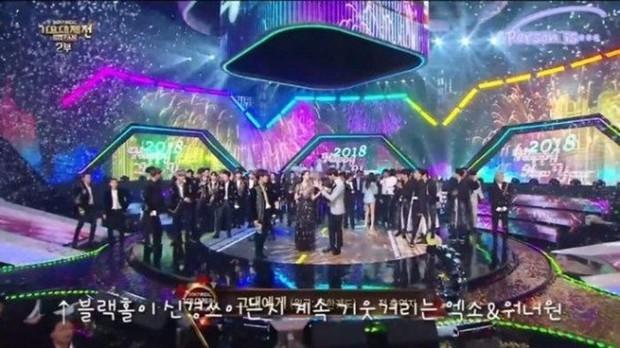 Tạm biệt Wanna One: Kỳ tích tựa chiếc đồng hồ phép màu đếm ngược 1 năm, rung chuyển cả châu Á bằng cả tấm lòng - Ảnh 12.