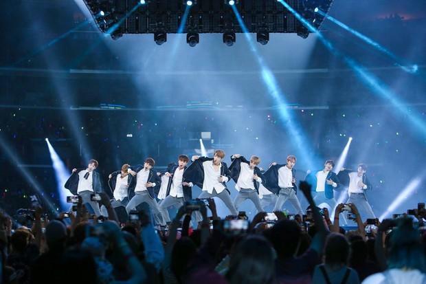 Tạm biệt Wanna One: Kỳ tích tựa chiếc đồng hồ phép màu đếm ngược 1 năm, rung chuyển cả châu Á bằng cả tấm lòng - Ảnh 1.