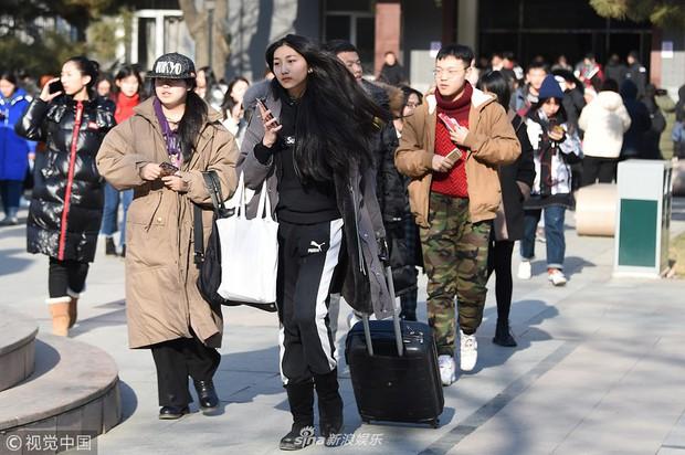 Thí sinh dự thi vào trường nghệ thuật lớn bậc nhất Châu Á: Quá nhiều trai xinh gái đẹp trong một khung hình - Ảnh 5.