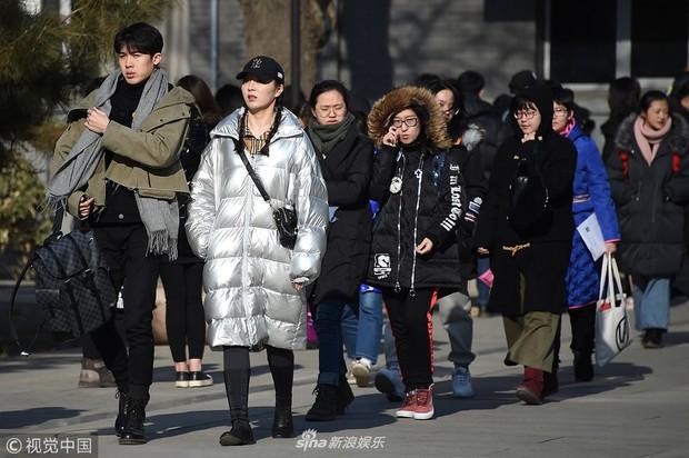Thí sinh dự thi vào trường nghệ thuật lớn bậc nhất Châu Á: Quá nhiều trai xinh gái đẹp trong một khung hình - Ảnh 2.