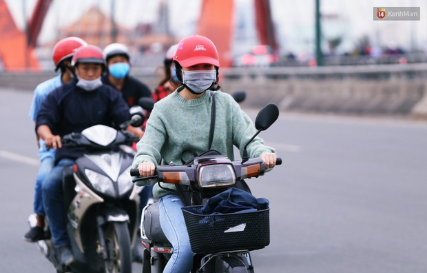 Người Hà Nội, Sài Gòn co ro trong ngày đầu đi làm sau kỳ nghỉ Tết Dương lịch 2019 - Ảnh 20.