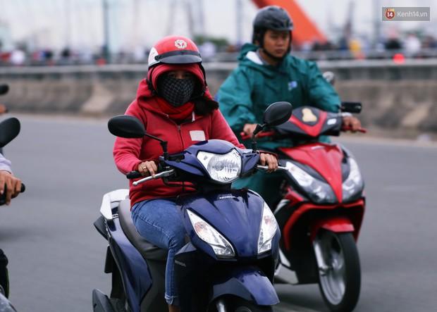 Người Hà Nội, Sài Gòn co ro trong ngày đầu đi làm sau kỳ nghỉ Tết Dương lịch 2019 - Ảnh 23.