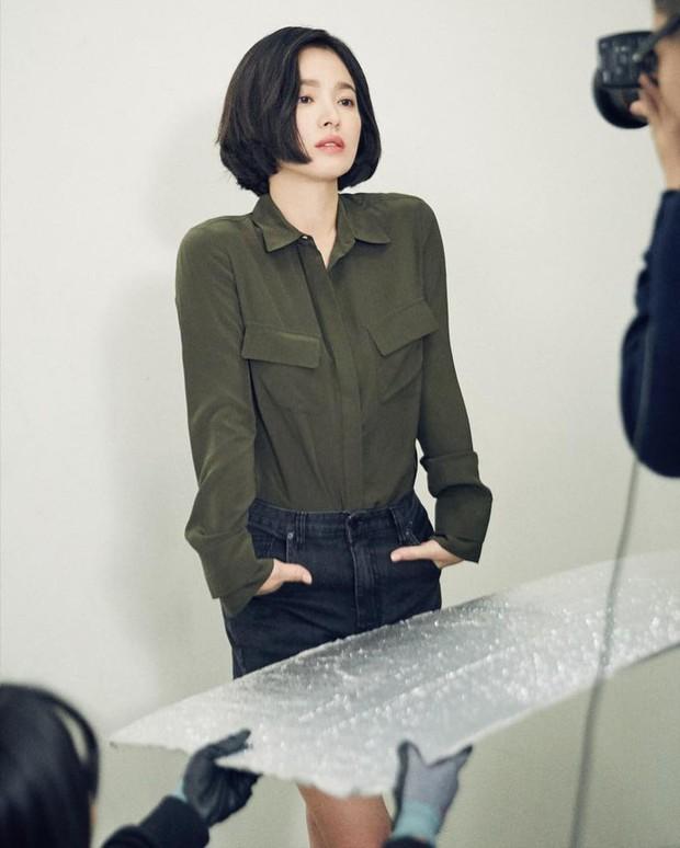 Bị chê photoshop quá đà, minh tinh Song Hye Kyo tung loạt ảnh hậu trường chứng minh body siêu nuột hậu giảm cân - Ảnh 7.