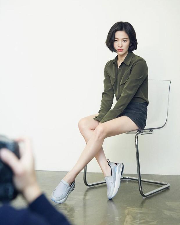 Bị chê photoshop quá đà, minh tinh Song Hye Kyo tung loạt ảnh hậu trường chứng minh body siêu nuột hậu giảm cân - Ảnh 5.