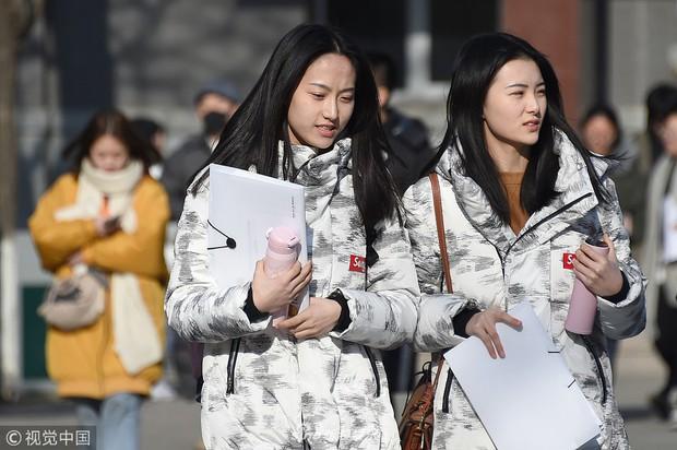 Thí sinh dự thi vào trường nghệ thuật lớn bậc nhất Châu Á: Quá nhiều trai xinh gái đẹp trong một khung hình - Ảnh 3.