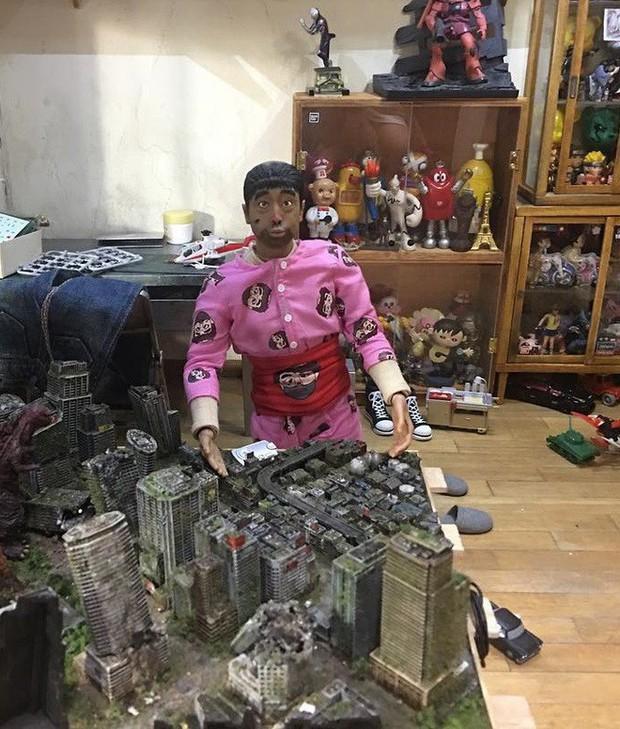Chiêm ngưỡng anh chàng mô hình trong căn nhà mô hình có hẳn một bộ sưu tập mô hình - Ảnh 2.