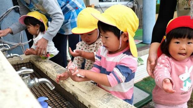 Khám phá thị trấn độc đáo ở Nhật Bản, nơi chính quyền cho tiền để các cặp đôi sinh con - Ảnh 4.