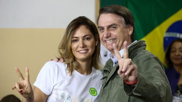 Đệ nhất phu nhân mới của Brazil: Từ bà mẹ đơn thân xinh đẹp đến mối tình sét đánh chênh nhau 25 tuổi - Ảnh 4.