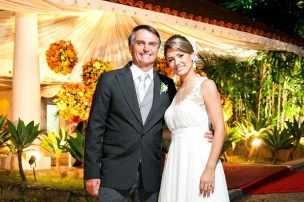 Đệ nhất phu nhân mới của Brazil: Từ bà mẹ đơn thân xinh đẹp đến mối tình sét đánh chênh nhau 25 tuổi - Ảnh 5.