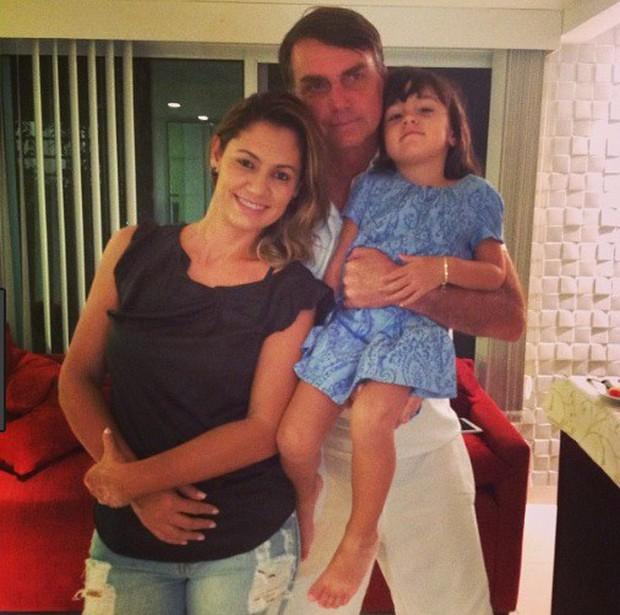 Đệ nhất phu nhân mới của Brazil: Từ bà mẹ đơn thân xinh đẹp đến mối tình sét đánh chênh nhau 25 tuổi - Ảnh 7.
