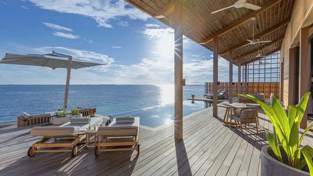 Tham quan khu nghỉ dưỡng xa hoa trên đảo nhân tạo với hệ thống pin Mặt Trời ngay trên mái nhà tại Maldives - Ảnh 9.