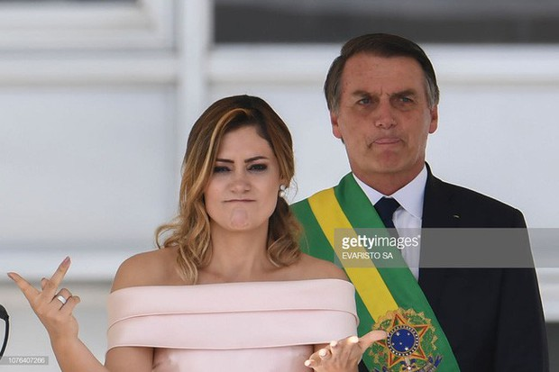 Đệ nhất phu nhân mới của Brazil: Từ bà mẹ đơn thân xinh đẹp đến mối tình sét đánh chênh nhau 25 tuổi - Ảnh 8.