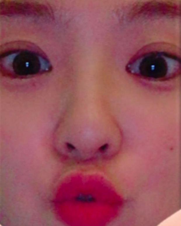 Red Velvet ôm nhau chụp ảnh thắm thiết mà thiếu chị cả Irene, đừng lo đã có fan ghép hộ đây rồi - Ảnh 12.