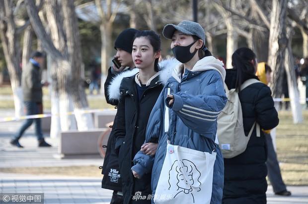 Thí sinh dự thi vào trường nghệ thuật lớn bậc nhất Châu Á: Quá nhiều trai xinh gái đẹp trong một khung hình - Ảnh 6.