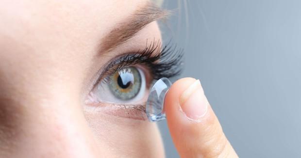 Bạn đang tự làm hại đôi mắt của mình nếu cứ lặp đi lặp lại những hành động này - Ảnh 3.