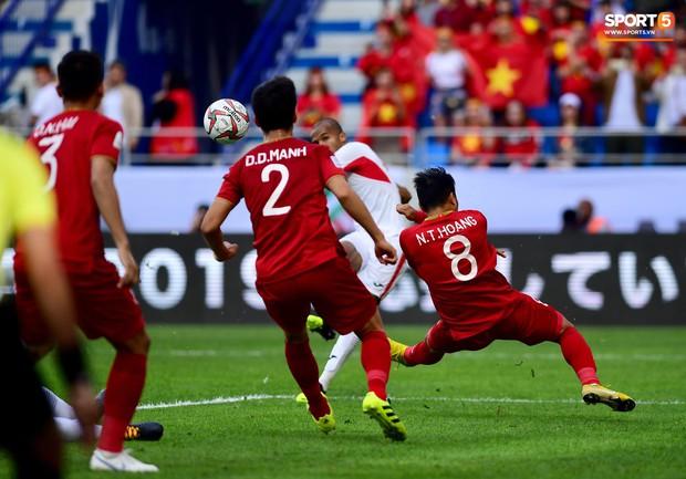 Đội tuyển Việt Nam và nỗi ám ảnh từ những quả đá phạt - Ảnh 7.