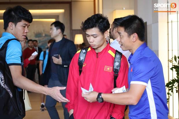Xuân Trường muốn tận hưởng cảm xúc của chiến thắng ở tứ kết Asian Cup 2019 - Ảnh 3.