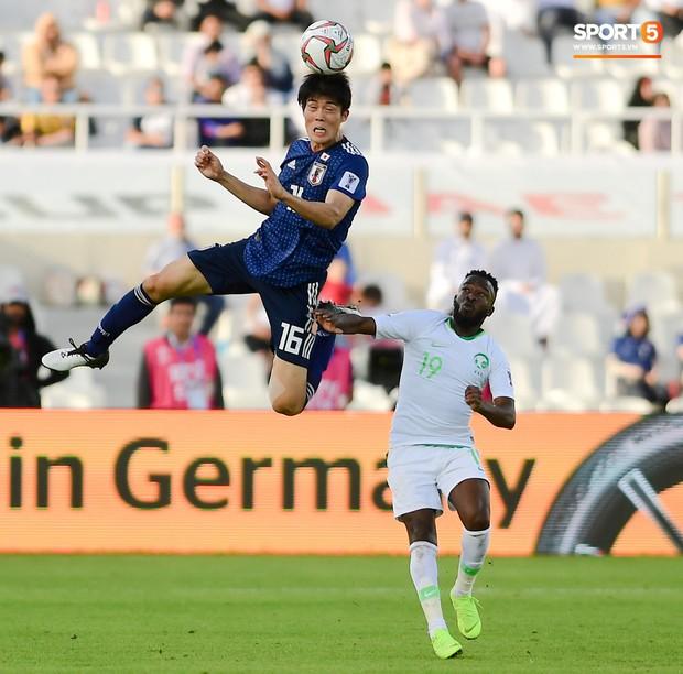 HLV Park Hang-seo gặp sự cố quên đồ khi đi thăm dò tuyển Nhật Bản - Ảnh 8.