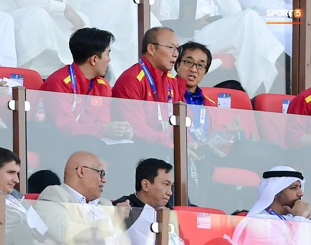 HLV Park Hang-seo gặp sự cố quên đồ khi đi thăm dò tuyển Nhật Bản - Ảnh 3.