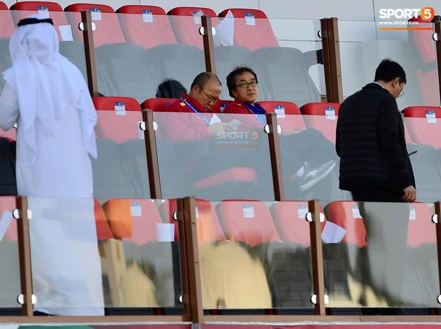 Không đi shopping cùng học trò, HLV Park Hang-seo lặng lẽ đi thăm dò đối thủ ở tứ kết Asian Cup 2019 - Ảnh 2.