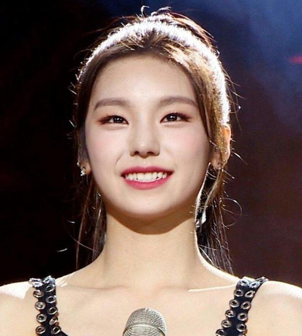 Nghía thêm profile và loạt ảnh trước debut của ITZY – nhóm nữ mới sở hữu át chủ bài lẫn vũ khí bí mật của JYP! - Ảnh 10.